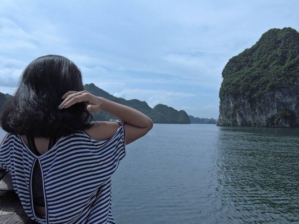 Ha Long Bay adalah keajaiban dan ketakjuban.