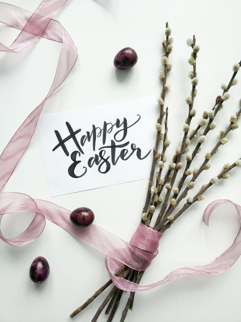 Selamat Paskah selamat merayakan kemenangan atas kematian.